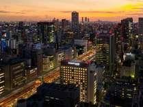 本町駅から徒歩5分、堺筋本町駅から徒歩1分と抜群のアクセスで大阪の拠点としてご利用いただけます。