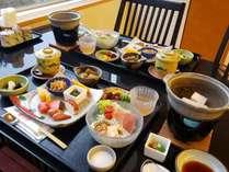 【朝食一例】定食をお召し上がりください。