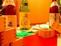 和食会場では諏訪の地酒を升酒で