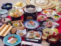 旬の食材を味わう和食料理イメージ。揚げたててんぷらはおすすめ