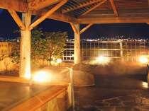 名物『地酒風呂』と、諏訪湖を望む露天岩風呂。地酒風呂は毎日、日本酒を投入しています♪