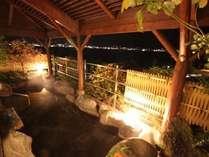 諏訪湖を眺める露天風呂諏訪湖からの風が気持ちよい