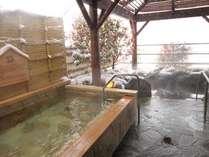 冬の露天風呂は風情たっぷり。