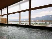 世界有数と言われる和田峠の良質な黒曜石で上諏訪温泉を磨いた『黒曜の湯』肌触りが優しい