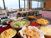 和洋中、20種類以上の朝食バイキング