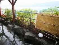 山々に囲まれながら自然を感じる露天風呂