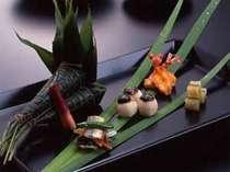 味はもちろん、目でもお愉しみいただける京料理会席です。