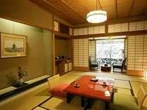 【本館デラックス和室】静寂とゆとりを感じさせる客室で京都の風情をご堪能ください。