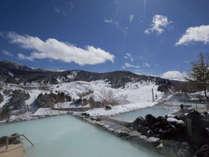 冬の醍醐味!雪見露天風呂♪幻想的な雪景色の中ゆっくり