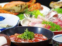 *当館の名物【てこね寿司】。鮮度バツグンの鰹をサッと秘伝のタレにつけて。