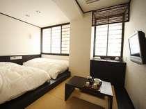 シモンズ社製のロータイプベッドの和洋室
