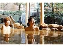 有馬温泉・有馬ロイヤルホテルの露天風呂(金泉)