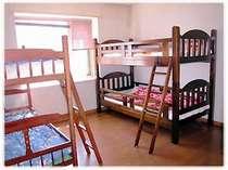 洋室ドミトリー 5ベッド