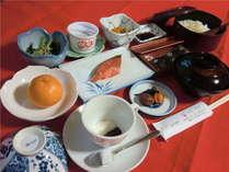 朝食の一例です。コーヒーをサービスで提供しています。