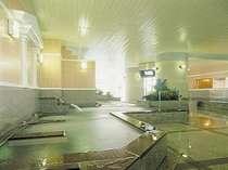 日帰り入泉のお客様も大歓迎♪ 宿泊される方は大浴場のご利用は無料です。