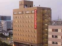 ホテル外観 繁華街まで徒歩圏内の便利なホテルです。