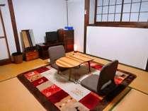 【6畳和室一例】こじんまりしておりますが、のんびりお過ごしいただけます。