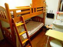 2段ベッド個室です。2人での時間も静かに過ごすことができます