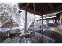 雪景色の広瀬川源流露天風呂
