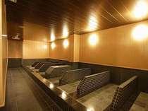 日本でも希少価値の高いバドガスタイン鉱石を使用した岩盤浴施設