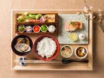「日本料理 みえ田」 三枝 展正氏監修 和食御膳 一例