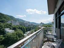 *お部屋からの景色/全部屋鬼怒川の渓流に面しております