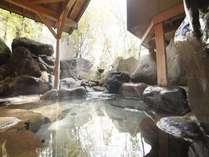【源泉掛け流し貸切風呂無料!】常楽の湯:四季折々のお庭の風景をお楽しみください。