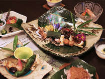 涼を感じる8月の献立はスタミナも考えつつ吸い物や煮物では冷たく冷やしていただくお料理です。