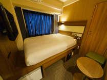 客室:スタンダードルーム(高ベッド)(2) 眠りを追求した適度な硬さのマットでぐっすり