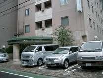 当館駐車場