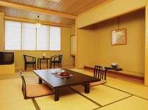 東館客室 和室12畳の落ち着いた雰囲気の客室