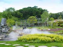 ◆レストラン外観/季節を運ぶ花と緑に囲まれたガーデンから、大沼ならではのおいしい一日がはじまります