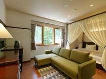 ◆ダブルベッドルーム/カップルやご夫婦におすすめのダブルベッドルーム(客室一例)