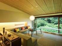 2017年2月にリニューアルオープン「箱根寄木の間 清流リビング付客室」
