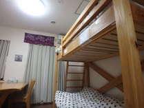 寝室二段ベッドです。