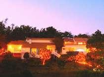 夕暮れのコルテラルゴ。幻想的な世界が広がります。