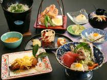 一品づつ丁寧に仕上げ、目でも楽しめる当館自慢の和食会席(^^)
