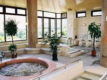【温泉健康浴場】大浴場・ジャグジー・歩行浴・スロープ付きの浴槽等…色んなお風呂がございます。