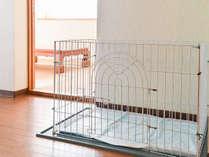 *室内ケージ(一例)リビングに置いてありますので、ペットの様子もすぐに確認できます。