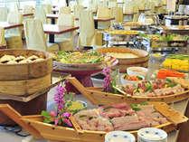 夕食バイキングで人気の高い新鮮なお刺身(時期により内容は異なります)◆