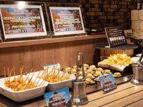 【青函市場一例】マグロ&エリンギのひと口串揚げや海鮮ハンバーグなどはお子様にもおすすめのメニュー。