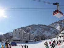 【ゲレンデ直結】 湯沢高原スキー場布場ファミリーゲレンデ。湯沢温泉スノープレイワールドも徒歩2分