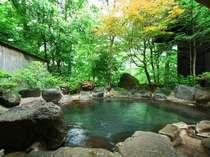 「長閑の湯」女性用露天風呂 崖下の平湯川の音を聞きながら