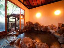 【風呂】風情のある岩風呂