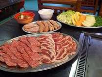 自慢のバーベキューハウスにて※秋田県産黒毛和牛他、ボリューム満点の焼肉セット