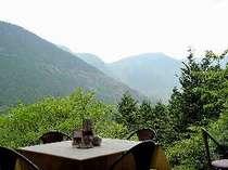 レストラン「グリル」から望む箱根外輪山