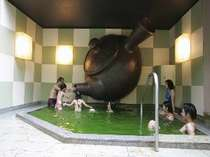 箱根小涌園 ユネッサンの緑茶風呂