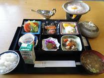 *【朝食一例】栄養バランスのとれたお食事でエネルギー補給!