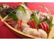 【伊豆の味わい】お刺身舟盛り、伊豆牛ハンバーグ、ホールケーキ・・・貸し切り温泉プラン