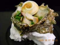 当館自慢の一品。300g以上の大型サザエのみで新鮮な食感を心行くまで味わえます